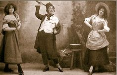 """Walter Passmore as Professor Bunn with Ethel Beech (left) and Lulu Evans as Nora (right) in the original 1901 production of """"The Emerald Isle"""" at the Savoy Theatre."""