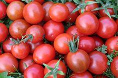 Chcete mít neustále po ruce rajčata? Naložte si je, nepotřebujete k tomu skoro nic Vegetables, Fruit, Food, Essen, Vegetable Recipes, Meals, Yemek, Veggies, Eten