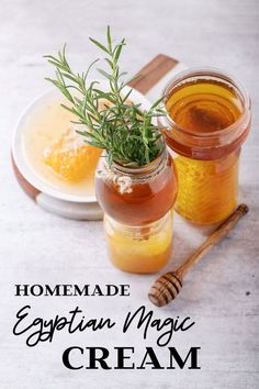 This DIY Egyptian Magic Cream recipe makes a multipurpose skin & hair treatment that moisturizes skin, tames frizzy hair and removes makeup naturally. Homemade Beauty, Diy Beauty, Beauty Skin, Beauty Guide, Beauty Care, Face Beauty, Beauty Magic, Blue Nail, Diy Cosmetic