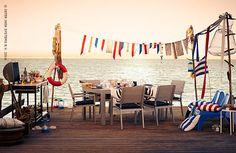 Vous n'aurez plus besoin de rentrer à l'intérieur de votre maison ! Profitez un maximum des beaux jours de l'été en installant votre salle à manger, salon et textile dehors ! Découvrez nos idées et articles pour une été convival ! #IKEABE  Enjoy the sunny days and move everything outdoors! Discover our ideas for a colorful summer!