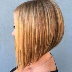 """It can not be repeated enough, bob is one of the most versatile looks ever. We wear with style the French """"bob"""", a classic that gives your appearance a little je-ne-sais-quoi. Here is """"bob"""" Despite its unpretentious… Continue Reading → Straight Bob Haircut, Line Bob Haircut, Short Bob Haircuts, Haircut And Color, Concave Bob Hairstyles, Bob Hairstyles For Fine Hair, Hairstyles Haircuts, Short Hair Lengths, Short Hair Cuts"""