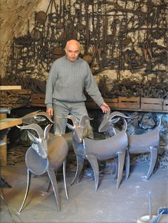 Atelier - Jean-Pierre Augier Sculpteur - The Best Welding Projects Examples, Tips & Tricks Welding Art Projects, Metal Art Projects, Metal Crafts, Diy Projects, Metal Yard Art, Scrap Metal Art, Art En Acier, Metal Art Sculpture, Abstract Sculpture