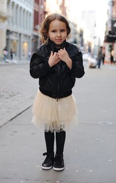 Gonna have to get my little girl a little leather jacket to rock this look.