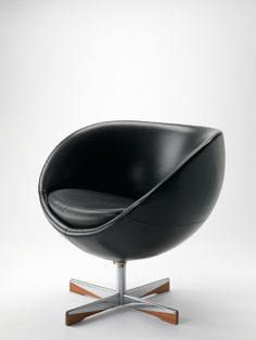 Sven Ivar Dysthe; 'Planet' Swivel Chair for Møre Lenestolfabrikk, 1965.