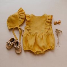 Baby Girl Fashion, Toddler Fashion, Kids Fashion, Vintage Kids Clothes, Trendy Baby Clothes, Handmade Baby Clothes, Little Girl Outfits, Boy Outfits, Toddler Outfits