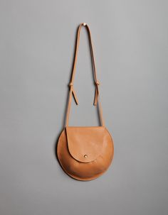 Great compact leather bag by Moving Mountains