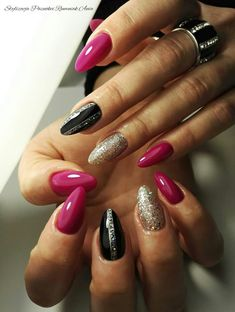 Party Nägel - Best Picture For short nails For Your Taste You are looking for something, and it is going to tell you exactly what you ar Funky Nails, Trendy Nails, Fabulous Nails, Gorgeous Nails, Diy Nagellack, Dark Pink Nails, Pink Nail Designs, Nails Design, Party Nails