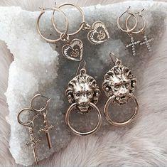 piercing plug bunga oval nacre ebony wood Tribal-Ear plugs by Body Ethnic - Custom Jewelry Ideas Cute Jewelry, Jewelry Accessories, Bold Jewelry, Trendy Jewelry, Summer Jewelry, Simple Jewelry, Bling Bling, Diamond Are A Girls Best Friend, Ear Piercings
