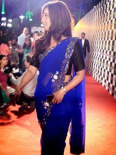 Shreya Ghoshal at Mirchi Music Awards 2013