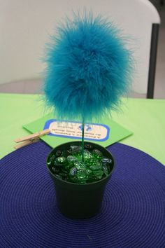 A feather boa pinned into a styrofoam ball. Place the ball on a stick and plant in a flower pot and POOF you have a Who flower from Horton Hears a Who. Do in all different colors! Dr Seuss Birthday Party, Third Birthday, Birthday Parties, Birthday Ideas, Cat Christmas Tree, Christmas Tree Themes, Shower Party, Baby Shower, Party Party