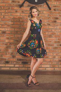 """A nova coleção da Miluna """"Realeza"""" trouxe ainda mais beleza para as Rainhas e Princesas. Curta nossos perfis no Instagram e Facebook @sigamiluna."""