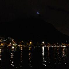 Noite de cristal...Lagoa Rodrigo de Freitas, Rio de Janeiro.