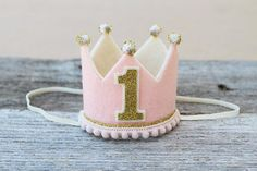 Girls Pink and Gold Birthday Mini Crown - Girl First Birthday Mini Headband Crown - Dog Birthday Diy Birthday Crown, Girl First Birthday, Dog Birthday, Birthday Crowns, Felt Crown, Girls Crown, Diy Crown, Girl And Dog, Pink Girl