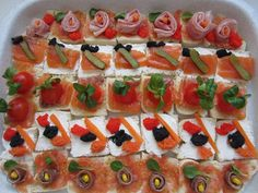Canapes Faciles, Tapas, Finger Foods, Catering, Sushi, Buffet, Sandwiches, Food And Drink, Appetizers
