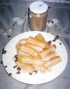Ταχινομπουρεκάκια Greek Beauty, Egg Rolls, Hot Dogs, Sausage, Sweets, Meat, Cooking, Ethnic Recipes, Food