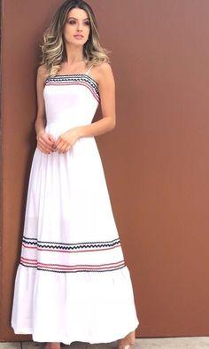 31 Vestidos Largos Para el Verano para lucir Sofisticada y Fresca (2019).  Vestido TropicalWhite Maxi DressesCasual DressesSummer ... ca7267152