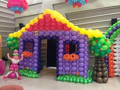 link balloon house and tree Balloon House, Balloon Wall, Air Balloon, Balloon Backdrop, Balloon Columns, Balloon Decorations, Party Kulissen, Party Ideas, Deco Ballon