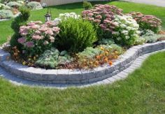 Stone Border. Would love this around my Big Oak Tree in my Front Yard.