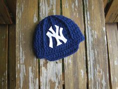 Newborn NY Yankees baby cap,crochet baby cap ,Baseball beanie New York hat by Etvy on Etsy