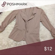 Kelly & Chy Tan Blazer Size Small Soft and comfy. Amazing condition. Kelly & Chy Jackets & Coats Blazers