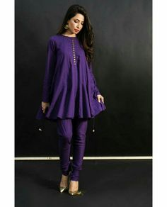 Stylish Dress Designs, Stylish Dresses For Girls, Designs For Dresses, Simple Dresses, Casual Dresses, Designer Party Wear Dresses, Kurti Designs Party Wear, Salwar Designs, Simple Pakistani Dresses