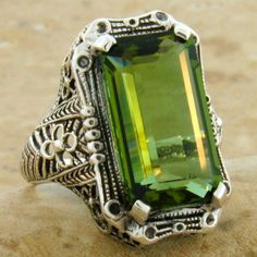 Peridot. My birthstone. I never care much for this rock until I seen this beauty.