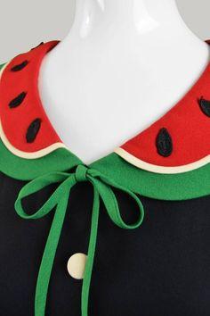 Moschino Cheap and Chic Vintage Watermelon Collar Dress, Dress Neck Designs, Collar Designs, Diy Dress, Tulle Dress, Fashion Details, Diy Fashion, Sewing Collars, Pakistani Dress Design, Traditional Fashion