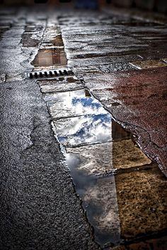 Reflections in mud water F10; 1/125s; ISO 100 © Juan Manuel Saenz de Santa María, 2013