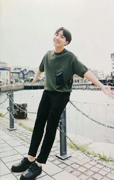 """A smile is much better for you! Tell me when did you stop… # Fan-Fiction # amreading # books # wattpad Seokjin, Kim Namjoon, Kim Taehyung, Gwangju, Jimin, Bts Bangtan Boy, Foto Bts, Bts Photo, Jung Hoseok"