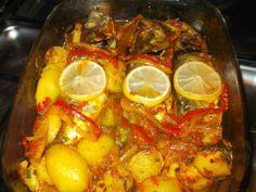 (Mackerel) Chinchard au four et Ses Legumes.  Aujourd'hui je vous propose une recette que je fais dès que j'ai du poisson et que je n'avais pas pensé à publier! Un bon poisson cuit au four avec une bonne sauce et quelques légumes... Passons à la recette: INGREDIENTS: 3 chinchards vinaigre la moitié...