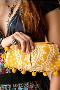 Vintage Pom Pom Clutch - want to try to make