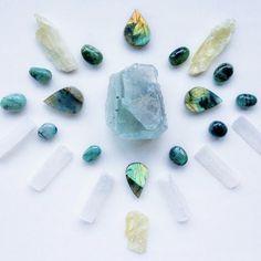 Crystal Magic, Crystal Grid, Crystal Healing, Minerals And Gemstones, Crystals Minerals, Stones And Crystals, Rocks And Gems, Emerald Gemstone, Healing Stones