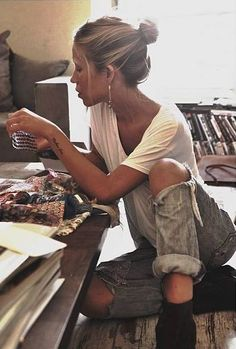 ----------------------------- Original Pin Caption: LoLoBu - Women look, Fashion and Style Ideas and Inspiration, Dress and Skirt Look Look Fashion, Fashion Beauty, Autumn Fashion, Vetement Hippie Chic, Mein Style, Look Vintage, Mode Outfits, Look At You, Looks Cool