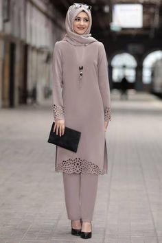 Lazer İkili Takım Vizon RBS02VZN Rabeysa Modern Hijab Fashion, Muslim Women Fashion, Pakistani Fashion Casual, Pakistani Dresses Casual, Abaya Fashion, Fashion Dresses, Designs For Dresses, Islamic Clothing, Stylish Dresses