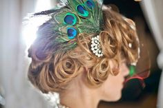 DIY 1920's Speakeasy Peacock Feather Headpiece