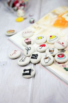DIY CRAFTS - Learn how to make these darling cover buttons with sewing machine. Photo tutorial shows you how.