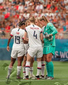 Usa Soccer Team, Team Usa, Soccer Players, Alyssa Naeher, Soccer Pictures, Female Athletes, Sexy Women, Women's Football, Sports