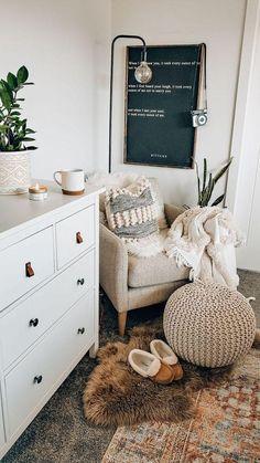 Small Room Bedroom, Room Ideas Bedroom, Home Bedroom, Small Rooms, Budget Bedroom, Bed Room, Living Room And Bedroom In One, Bedroom Decorating Ideas, Modern Boho Master Bedroom