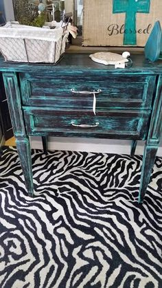 Another piece of furniture takes the plunge from $75 to $65!! #thatoneplace #everythingunique #junkinjoplin