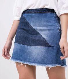 Saia Jeans Evasê com Recortes