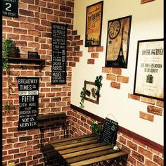 部屋のコーナーにつくるカフェ風レンガ壁