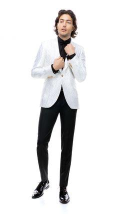 Costumul din imagini face parte din noua colecție de costume de ceremonie și se realizează la comanda manual, după măsurile și specificațiile clientului. În funcție de forma feței, bărbații pot schimba reverul de la sacou cu unul ascuțit. Nasa, Normcore, Costumes, Suits, Style, Fashion, Swag, Moda, Dress Up Clothes