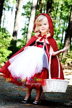 Little Red Riding Hood Tutu Dress. The link only goes to a picture, but it's a great inspiration for a little girl's Halloween costume! Just make a simple tutu out of red tulle, make or buy a red cape, and add a white apron and candy basket! Cute Costumes, Halloween Costumes For Girls, Baby Costumes, Halloween Kids, Costume Ideas, Halloween Clothes, Red Riding Hood Party, Red Riding Hood Costume Kids, Robes Tutu