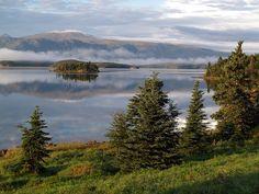 Bay Honduras Accedi al sito per informazioni Katmai National Park, National Parks, Bay Of Islands, Honduras, Alaska, Cabin, Explore, Mountains, Travel