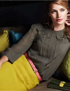 mustard skirt, olive blouse, pink skinny belt, work outfit for Fall Mode Chic, Mode Style, Style Me, Fashion Mode, Work Fashion, Womens Fashion, Fashion Shoes, Mustard Skirt, Business Outfit