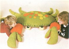 How to Make Soft Toys - Giant Stuffed Crab - free pattern and tutorial - scroll down
