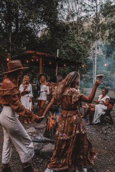 Around the campfire with Climate Council Bohemian Lifestyle, Bohemian Style, Boho Chic, Boho Aesthetic, Summer Aesthetic, Hippie Vibes, Hippie Boho, Granola Girl, Modern Hippie