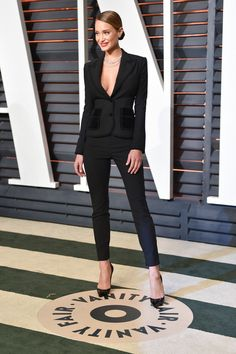 """The """"Vanity Fair"""" Oscar Party, and All the Postshow Bashes, Look Suit Fashion, Fashion Show, Fashion Outfits, Womens Fashion, Fashion Design, Suits For Women, Clothes For Women, Edgy Chic, Pinterest Fashion"""