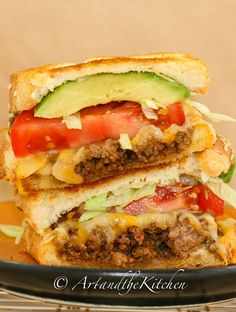 Taco Beef Grilled Cheese Sandwich | Art and the Kitchen -this Taco Grilled Cheese Sandwich is LOADED with seasoned ground beef, avocado, tomatoes and more
