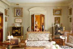 Grand Touches,  Eric Hilton worked with original Renzo Mongiardino interiors and an impressive array of works by the likes of Degas and Bonnard.